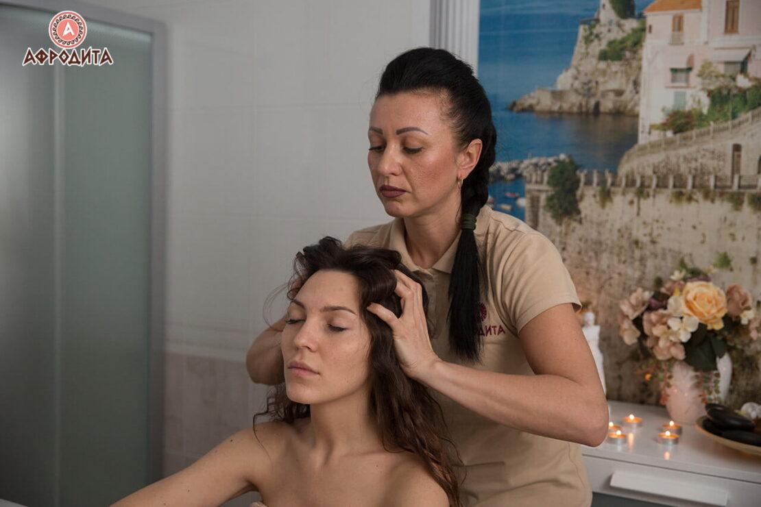 Классический массаж головы