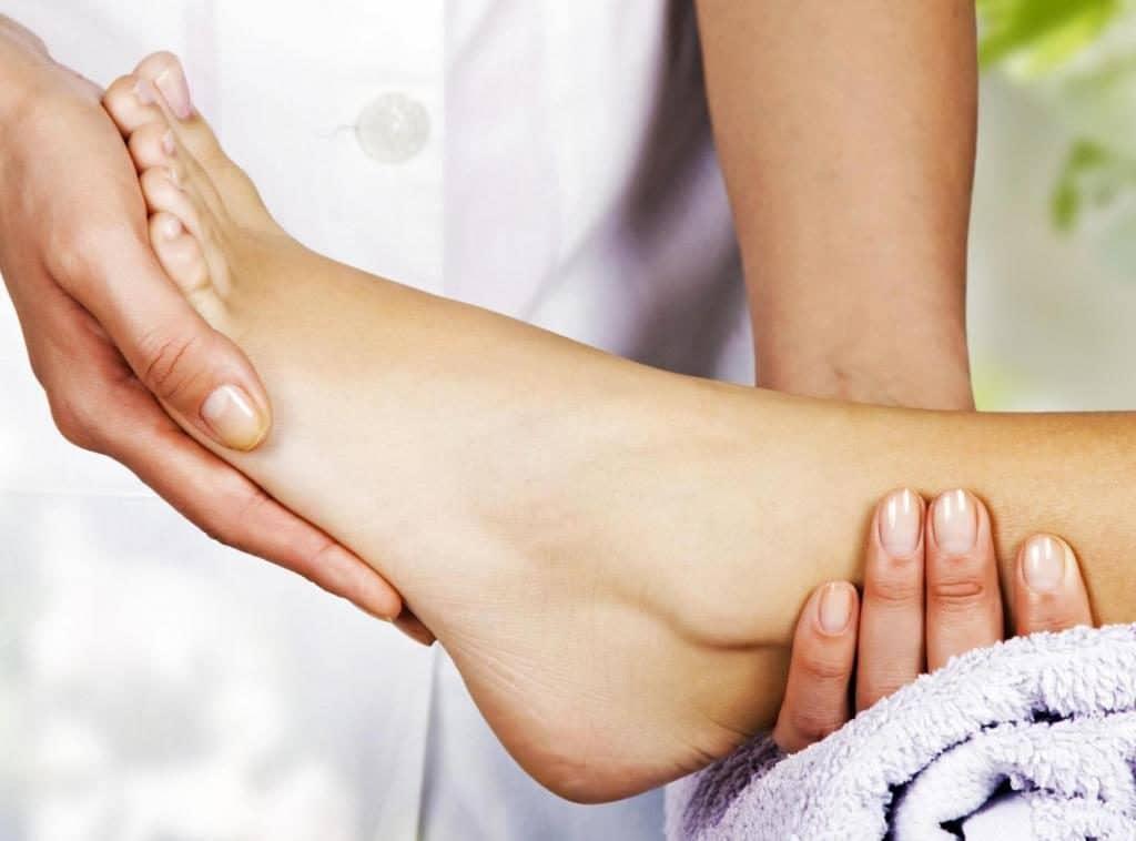 Массаж ступней ног